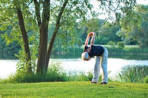 Montag 16.00 - 17.00 Hatha Yoga für Senioren