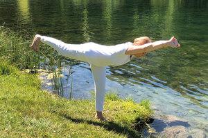 Montag 08.00 - 09.00 Hatha Yoga