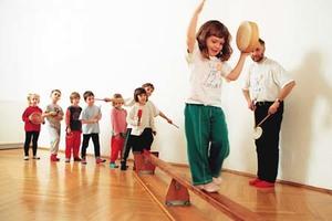 Rhythmik 4-5 Jährige, am Mo15.10h