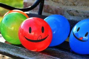 Basteln, spielen und experimentieren mit Luftballons